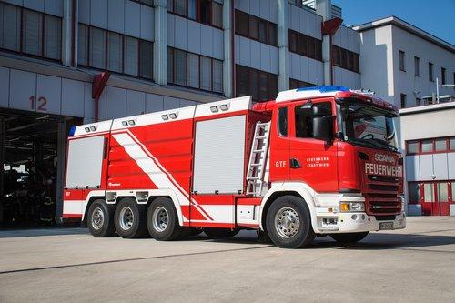 fire  large tank vehicle  vienna