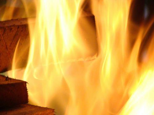 fire burn ardent