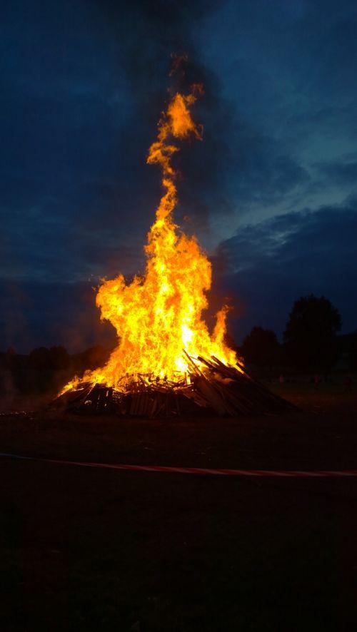 fire midsummer flame