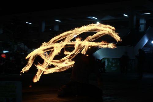 fire dancing light painting light