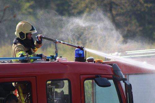 fire department  extinguishing  heath fire