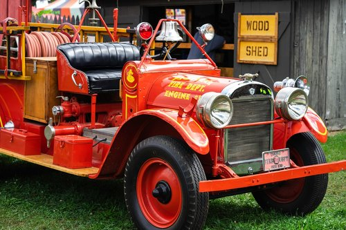 fire engine  fire truck  red car