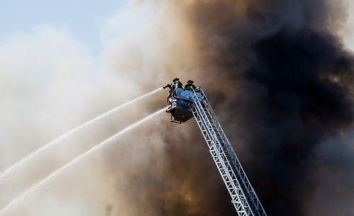 firemen crane water