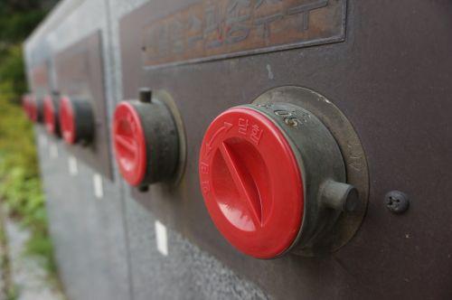 gaisrinė spyna,atviras,uždaryta