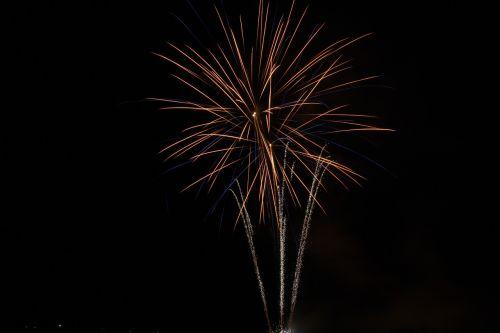 fireworks night darkness