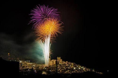 fireworks light pyrotechnics