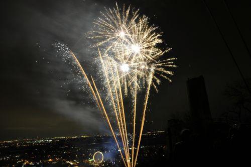 fireworks celebrate sylvester