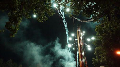 fireworks rocket sylvester