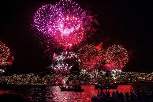 fireworks celebration explosion