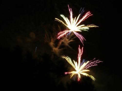 fireworks rocket color
