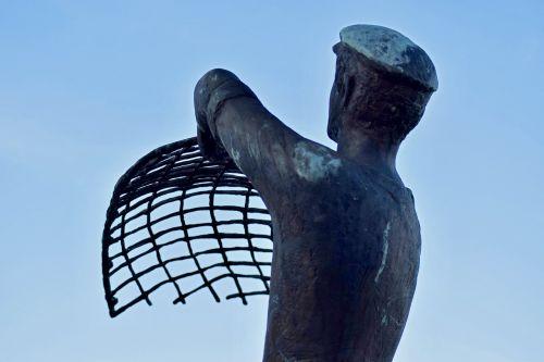 fischer statue haffkrug