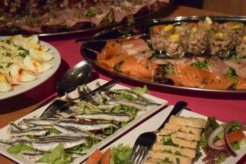 fish salad food