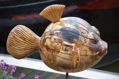 fish,wood art,artwork,wood,holzfigur,sculpture,handmade,carved,city-empty,carving,figures,puffer fish