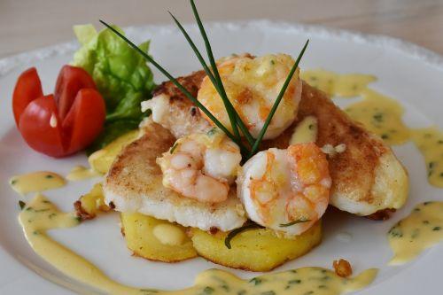 fish fish plate scholl fillets
