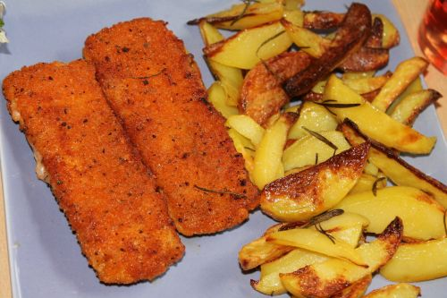 fish fingers fried potatoes fried fish