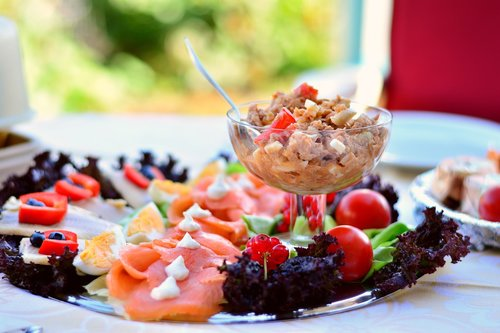 fish plate  tuna salad  tuna
