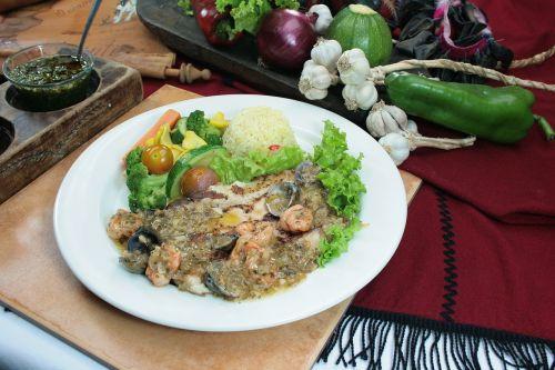 fish garlic seafood