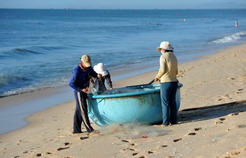 fishermen fishermen in vietnam mui ne