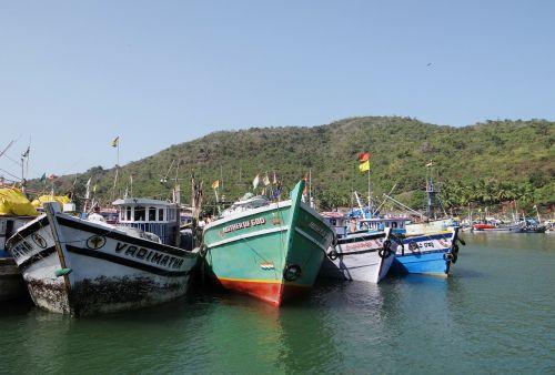 fishing harbor fishing vessels