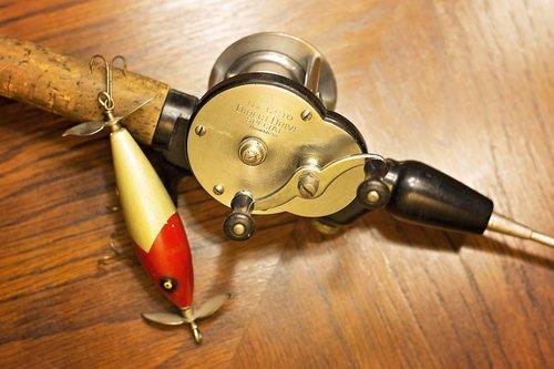 fishing  reel  fish