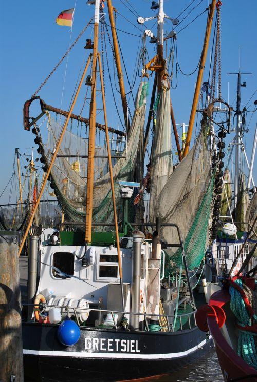 fishing boat north sea port