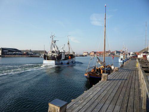 fishing boat boot fishing