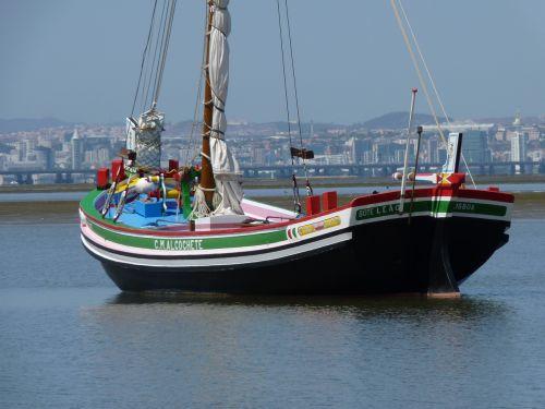 fishing boat portugal lisbon