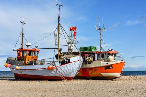 žvejybos laivas,papludimys,jūra,denmark,boot,šiaurinis jūros paplūdimys,smėlis,šventė,kranto,dangus,smėlio paplūdimys Šiaurės jūra,debesys,pjaustytuvas,stiebas