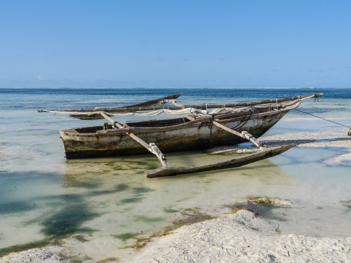 fishing boat dau boom