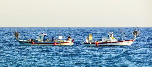 fishing boats traditional fishermen