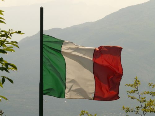 flag italy blow