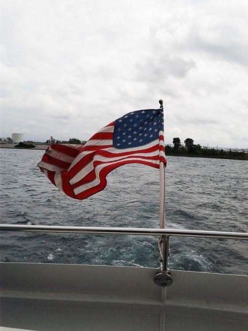 vėliava,valtis,vanduo,laivas,kelionė,turizmas,dangus,jūrų,jūrinis,kruizas,buriavimas,gamta,vasara,transportas,vėjas,Kanada,kraštovaizdis,nacionalinis