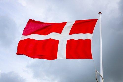 flag  banner  wind