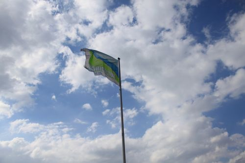 flag sky blow