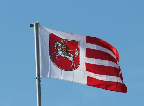 flag flutter blow