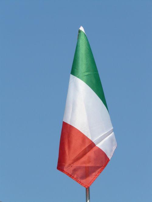 flag italy sky