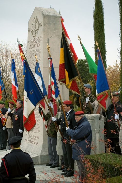 flags commemorate military