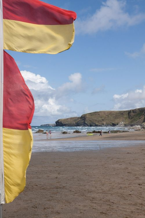 flags demarcation surf area