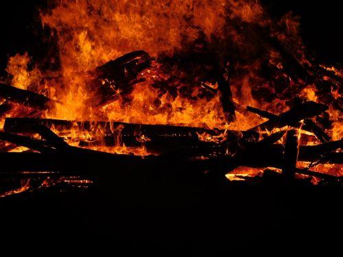 flame burn campfire