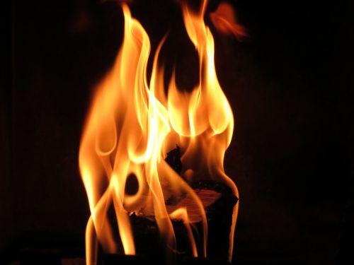liepsna,Ugnis,atvira ugnis,šiluma,heiss,šiltas,deginti,ugnies liepsnos ugnis,energija,medžio ugnis,angelai,laužavietė,romantiškas,židinys,medis židiniams,ugnies šviesa,ugnis,blaze,švytėjimas,raudona,oranžinė,jaukus