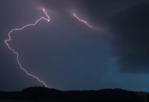 flash thunderstorm night