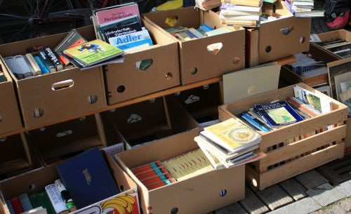 flea market books box