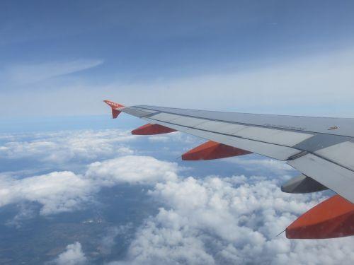 flight easyjet wing