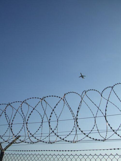 flight freedom border