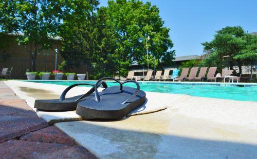 flip flops pool summer
