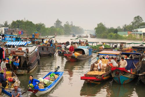 floating market on the river culture