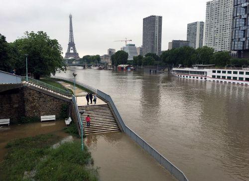 flood seine paris