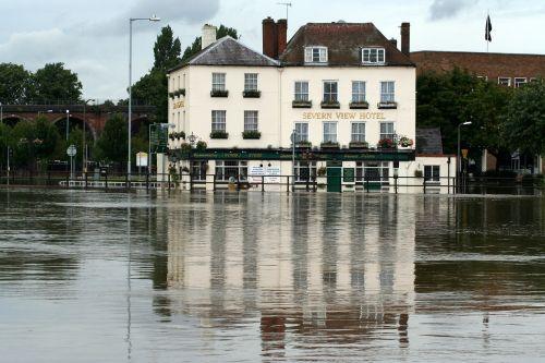 floods pub riverside