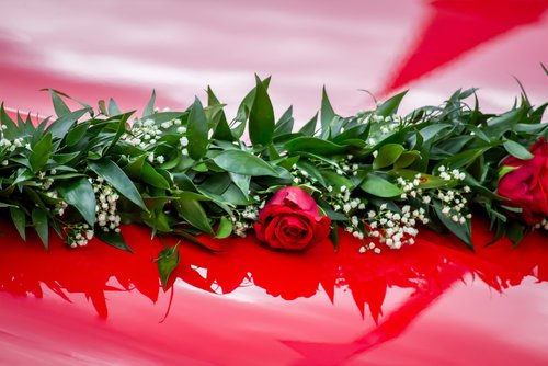 floral decorations  auto  roses