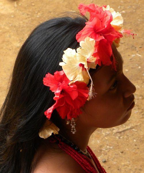 floral wreath girl indio